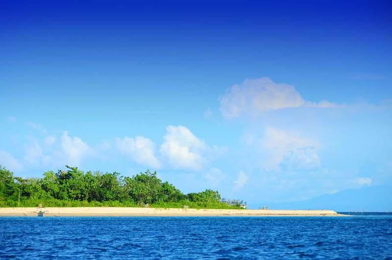 Quinapaguian Island