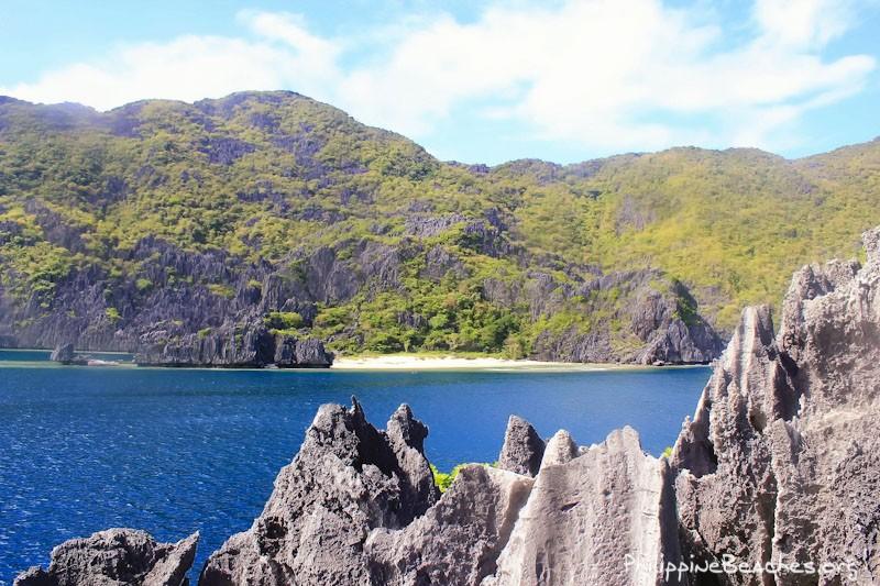 View of Tapiutan Island from Matinloc Shrine