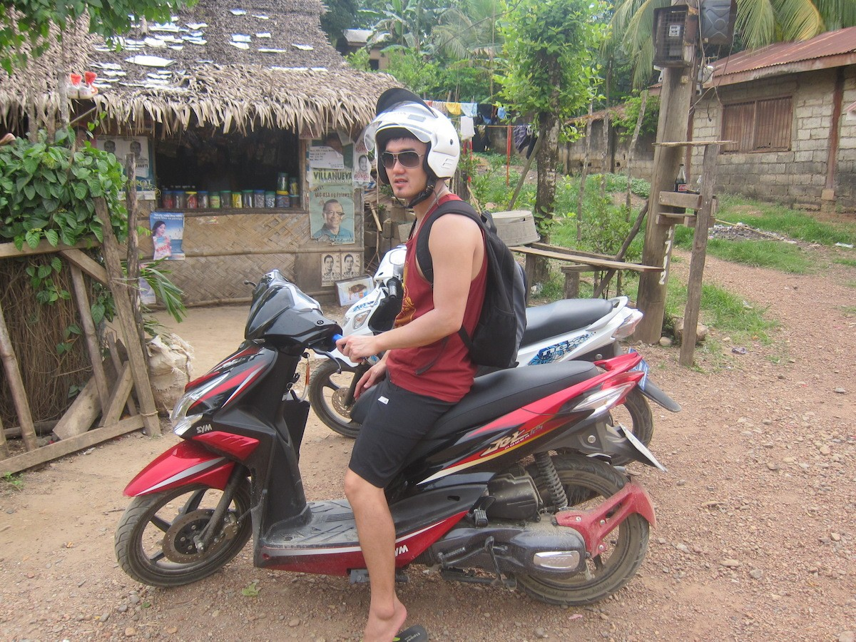 Motorbiking to Nacpan Beach, El Nido!