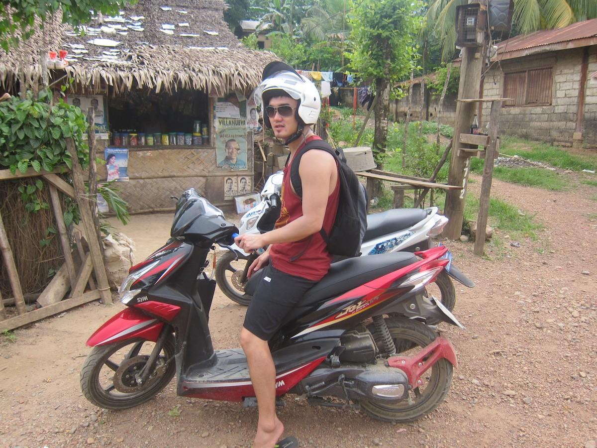 Motorbiking to Nacpan Beach, El Nido!