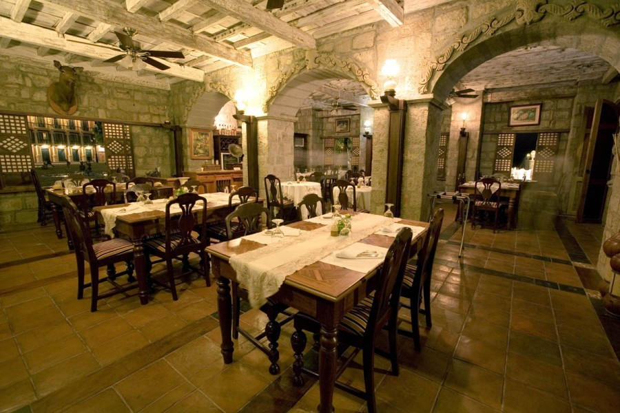 Dinner time at Cafe Miravent (Photo courtesy of Las Casas Filipinas De Acuzar)