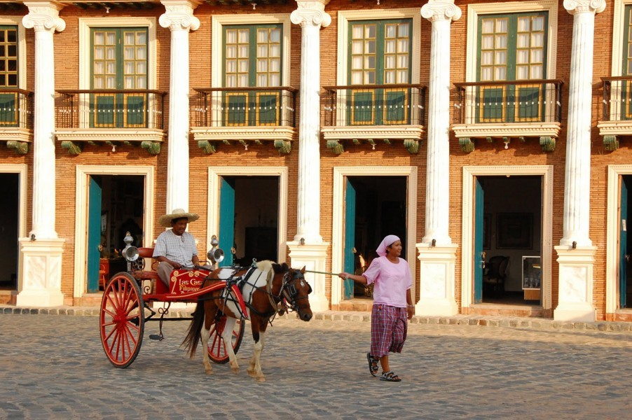 Ride the calesa around the complex for only PHP 50! (Photo courtesy of Las Casas Filipinas De Acuzar)