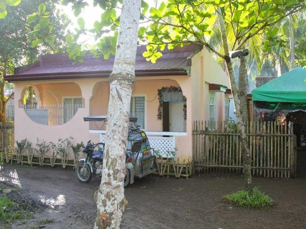 Chona and Christophe Guesthouse - Masbate
